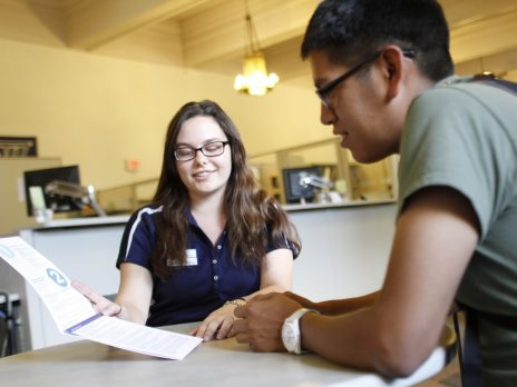 nau student talks with financial aid advisor