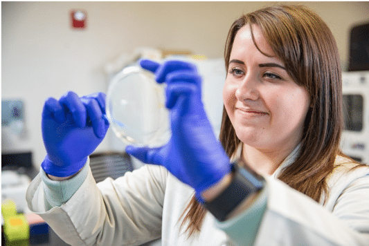 Undergraduate student Karisma Kocos working in the PMI lab