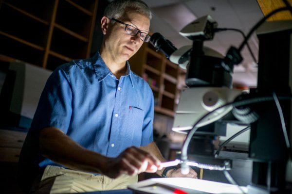 Frank von Hippel working in lab