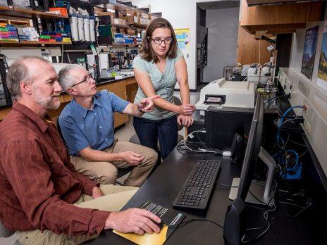 Frank Von Hippel and Loren Buck in lab.